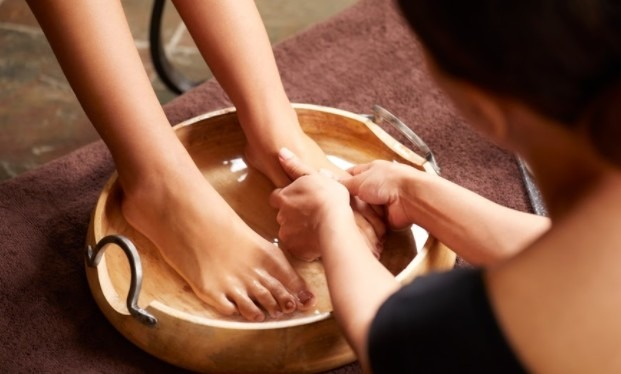 Taking Care of Your Feet While Using a Foot Massage Chair